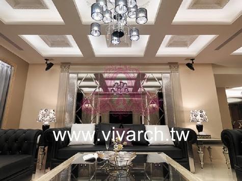 客厅内九宫格天花的造型,深刻的线条分割比例,在方格中央雕花